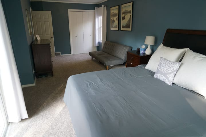 Master bed with California king and Futon