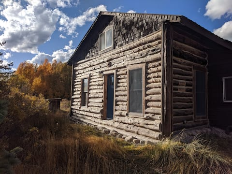 Cozy High Alpine Cabin