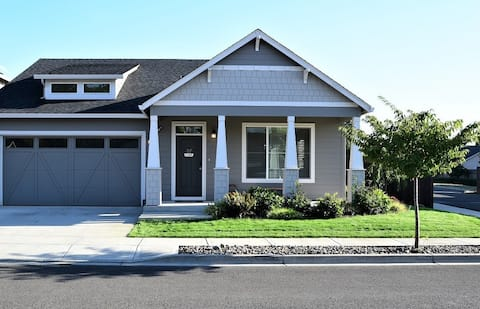 Stylish Modern one level home close to amenities