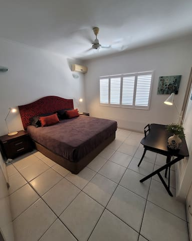 Main Bedroom with King Size bed and ensuite