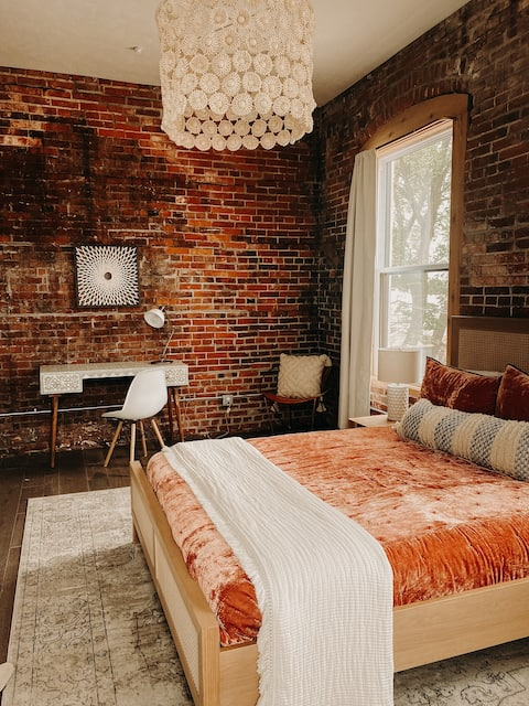 Unit 3 -Private Room-1 Bed/1 Bath @ Tres Airbnb's