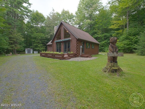 Rustic 3 BR Log Cabin on 11 Acres near Trout Run