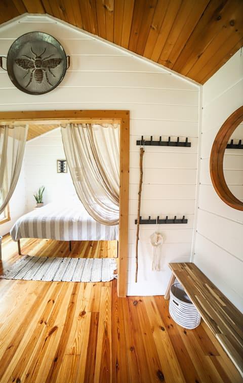 Smokey Quartz Cabin -Salt & Stone Vacation Rentals