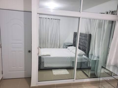 Apartamento estilo Pent House, con Terraza y Jacuz