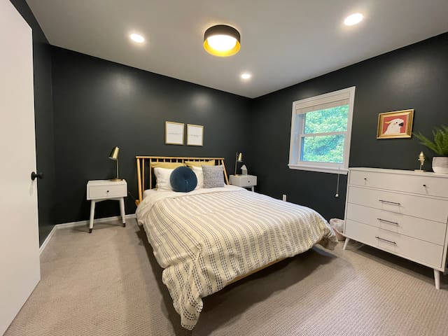 Comfort meets style!  We love the color pallet and calming vibe of Bedroom #4.  Reading lamps are within reach to help you wind down and chase zzz's at the end of each day.