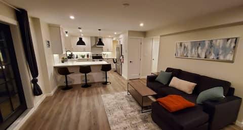 Gorgeous 1-bedroom suite on a quiet cul-de-sac