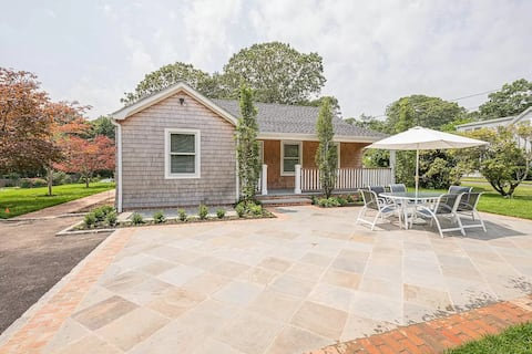 Newly Renovated Cottage In Excellent Location