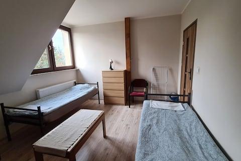 Schludny Pokój w Nowych Apartamentach na Wsi