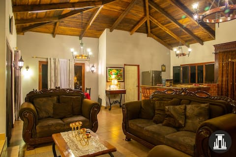 Don Paco's country house / 3 bdrom w/free parking