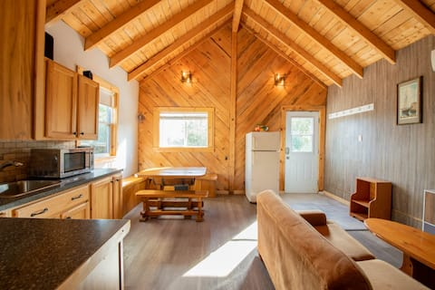 Private Cottage in Lake Major Area - Near City