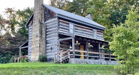골드 배스 - 호수 근처의 역사적인 통나무집