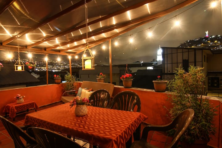 Perfecto Location - Quito Old Town