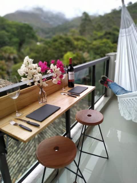 Apartamento Artsy: Aconchegante e criativo.