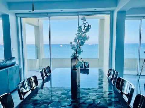 Luxury Sea Front Three Bedroom Apartment