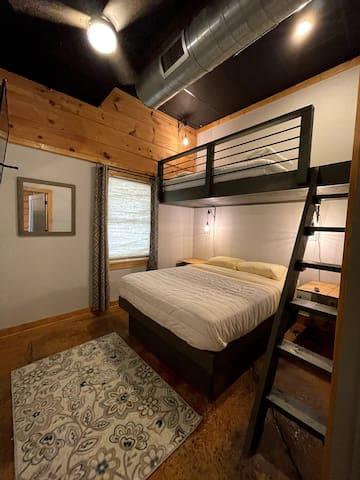 Bedroom 4 - Queen, twin loft bed