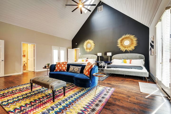 Main Bedroom so huge we put Double King Beds outfitted with luxury soft linens and plush pillows for the best sleep of your life! Vaulted Ceilings with skylights cascading light in, In-Suite Bathroom & a Private Meditation Courtyard~!!!