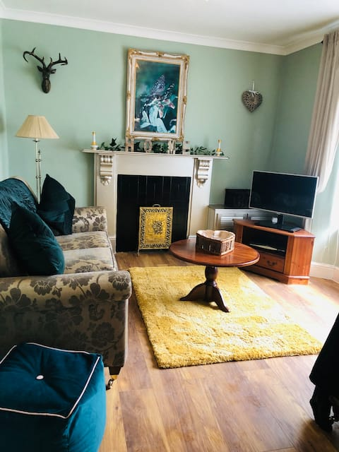 Tower House - 3 bed near Zip Line/Bike Park Wales