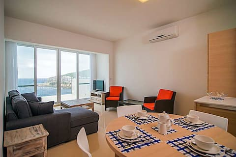5*  Sea front Penthouse,2 bed, 2 bath.Marsalforn.