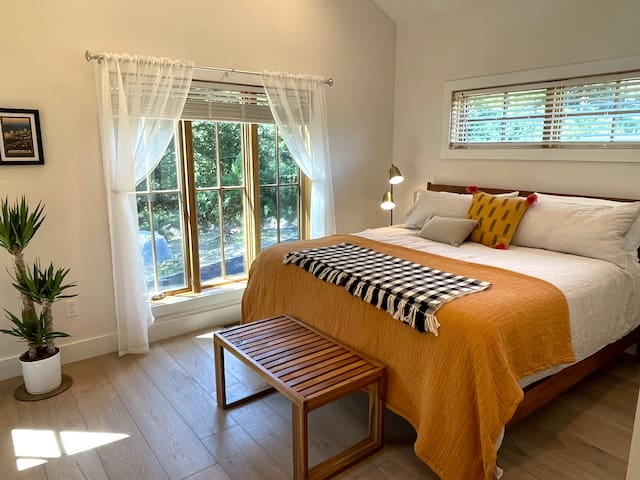 Large bed room with King size bed.