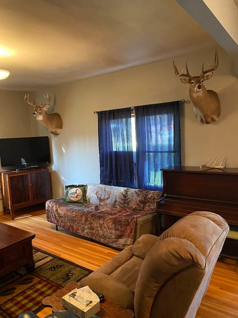Hunting lodge/farm and place with 3 bedrooms