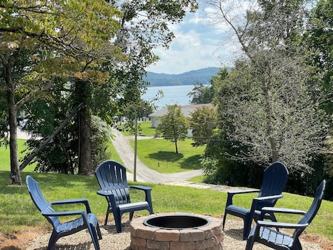 Relax on Cherokee Lake w/ fire pit & great views!