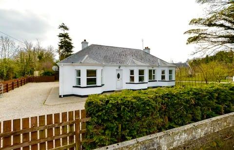 Cosy seaside cottage Portsalon next to beach&golf