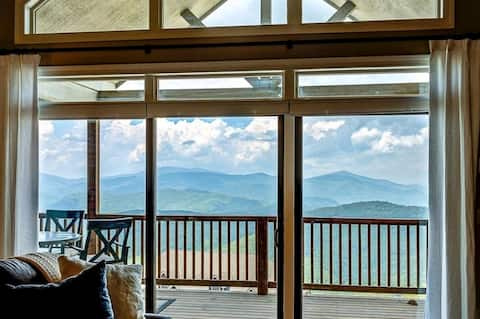 Updated condo at 5100' with breathtaking views!