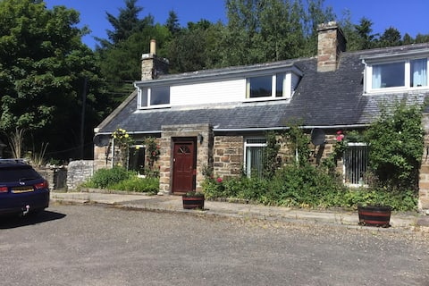 The Smithy | Two bedroom rustic cottage