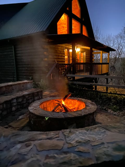 Bearly Hook'd-Chestatee Riverfront Cabin