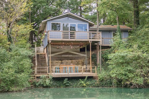 The Rustic Retreat - Cozy Cabin on Private Pond