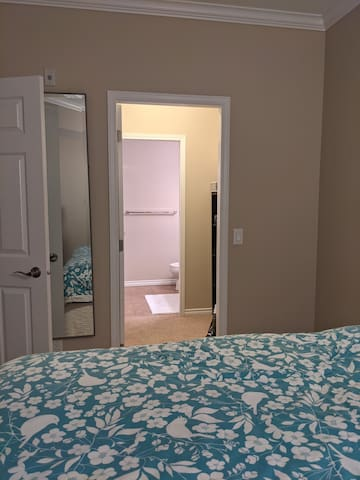 Master bedroom, Walk in Closet and Bathroom