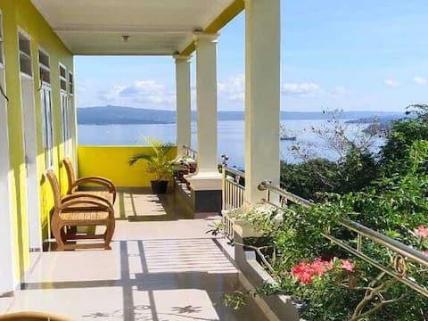 Premium Room at Rooms at Cendana Baubau