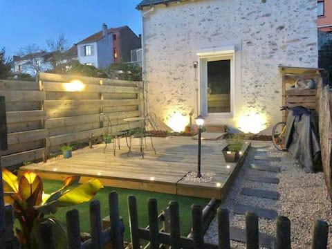 Maison de pêcheur bord Loire 1 CH jardin terrasse