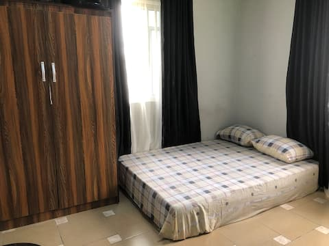 Unique and Cozy 1-bedroom unit with free parking