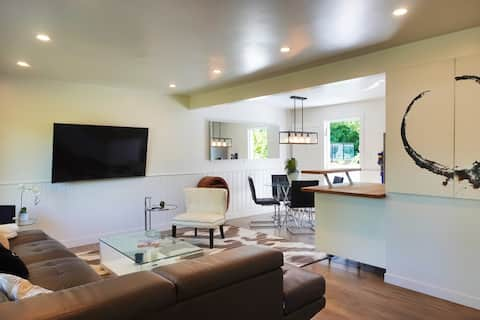 Lovely 3-bedroom best locatoin in North Vancouver