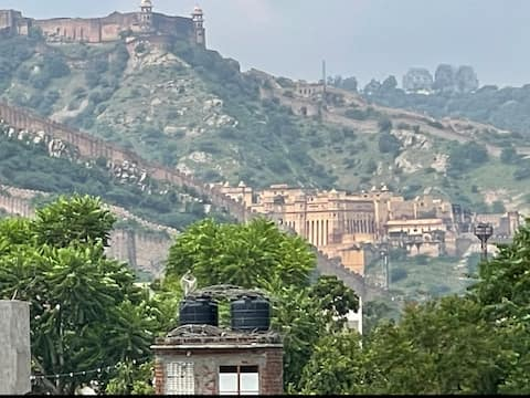 Amer Fort view house with garden.