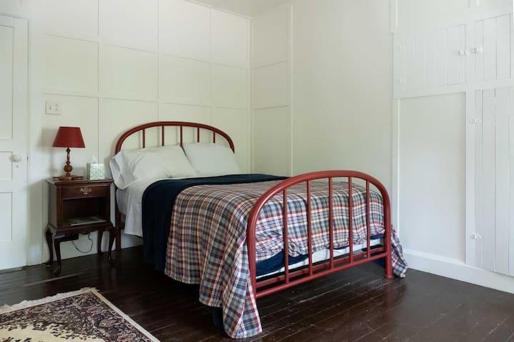 1st bedroom | 1 bed