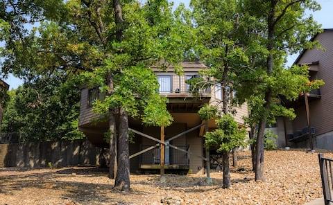 TreeTop Villa @ Holiday Shore overlooking the lake