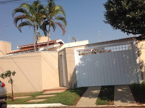 Casa para home office e lazer em Pirassununga