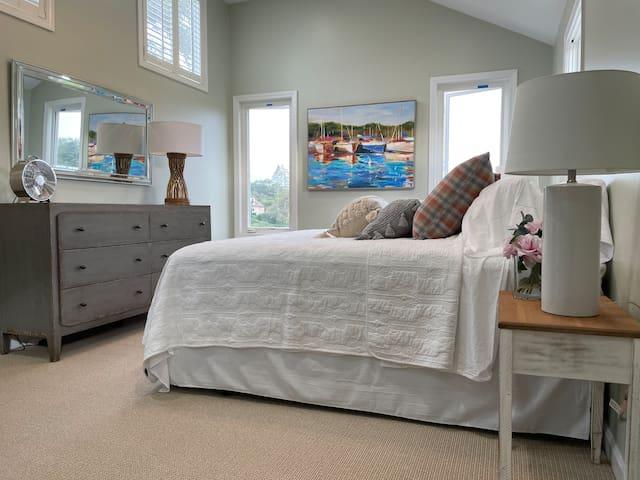 Second floor King bedroom