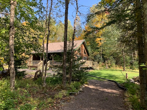 Lakefront Cabin in the Beautiful North Woods