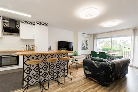 Fresh and Chic 2 Beds Flat for Respectful Guests.