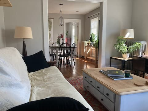 Lovely 1-Bedroom Apartment Rental with Parking