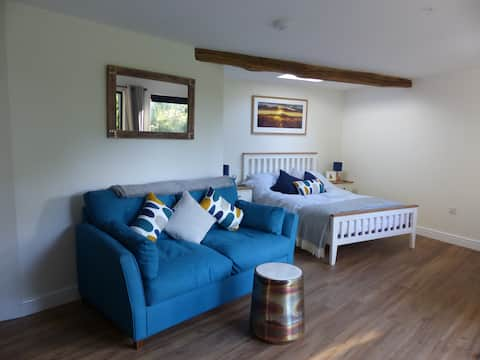 Conkers, a new rural retreat by Glastonbury