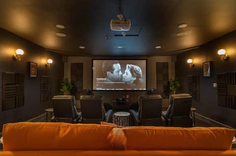 Casa Del Cine - movie theatre, fire pit & pool!
