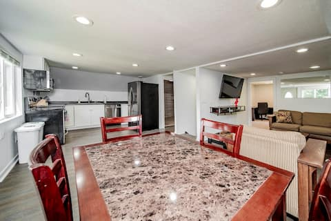 2-bedroom Flamingo Suite-Minutes from Mayo Clinic!