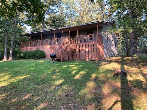 The Coshanna Cabin @ Flint Ridge