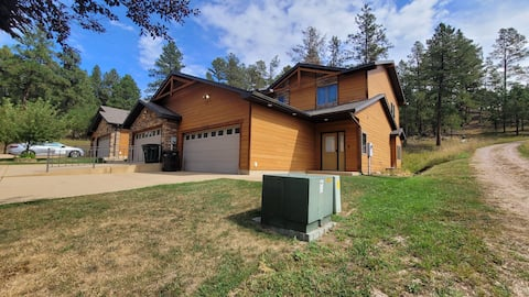 Mount Rushmore Family Townhome