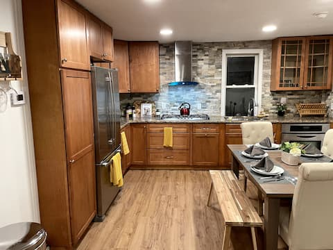 Modern+Spacious 3 bedroom 20min from Providence