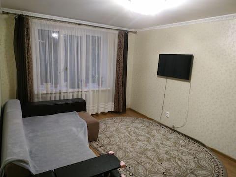 Кімната в комфортній квартирі зі всіма зручностями